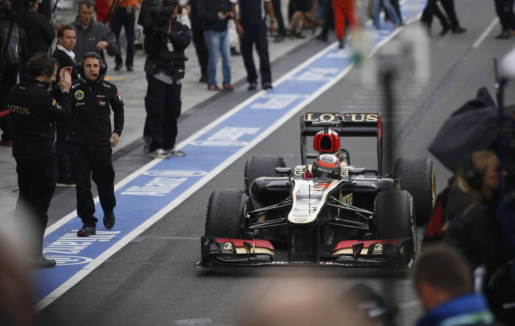 Raikkonen gana en Australia y Alonso termina segundo