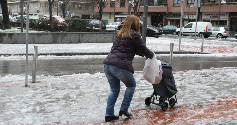 Bilbao amanece nevada (25-02-13)
