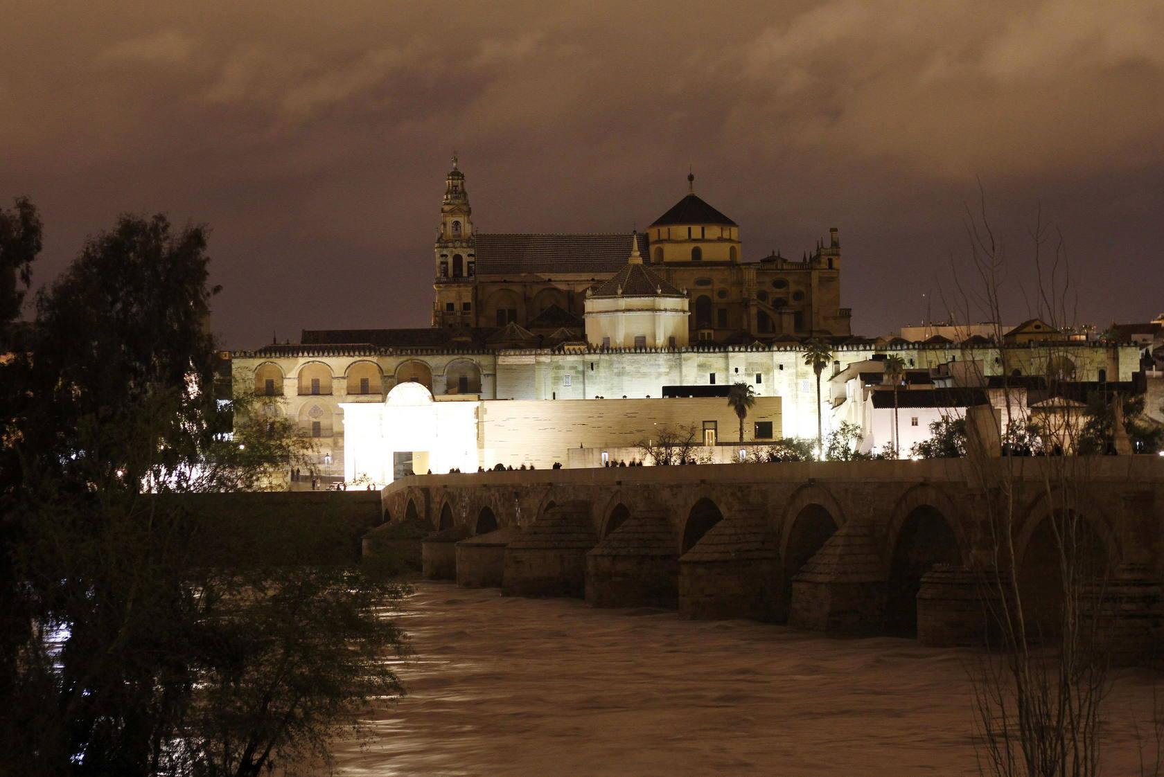 España se vuelca con 'La Hora del Planeta'