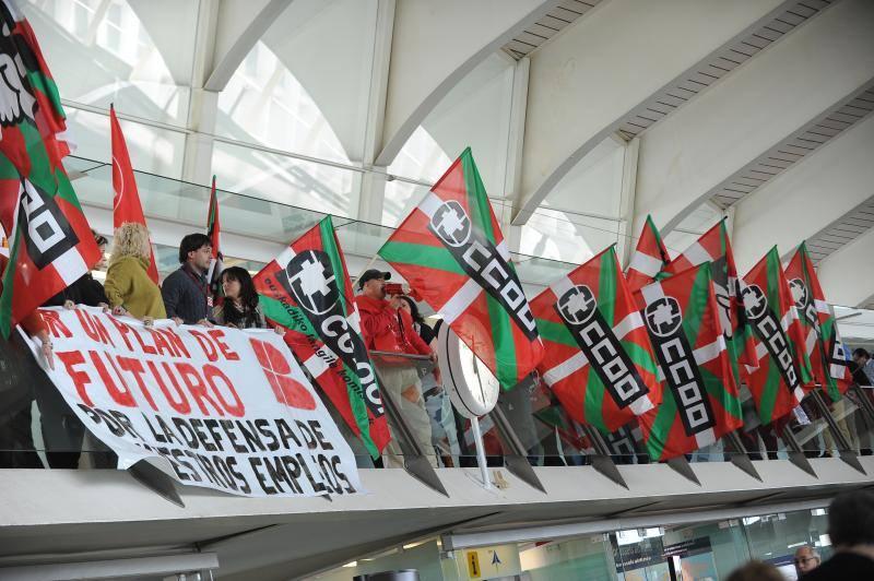 Fotos de la protesta de Iberia en el aeropuerto de Loiu