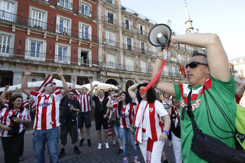 La 'marea rojiblanca' ya se deja notar en Madrid
